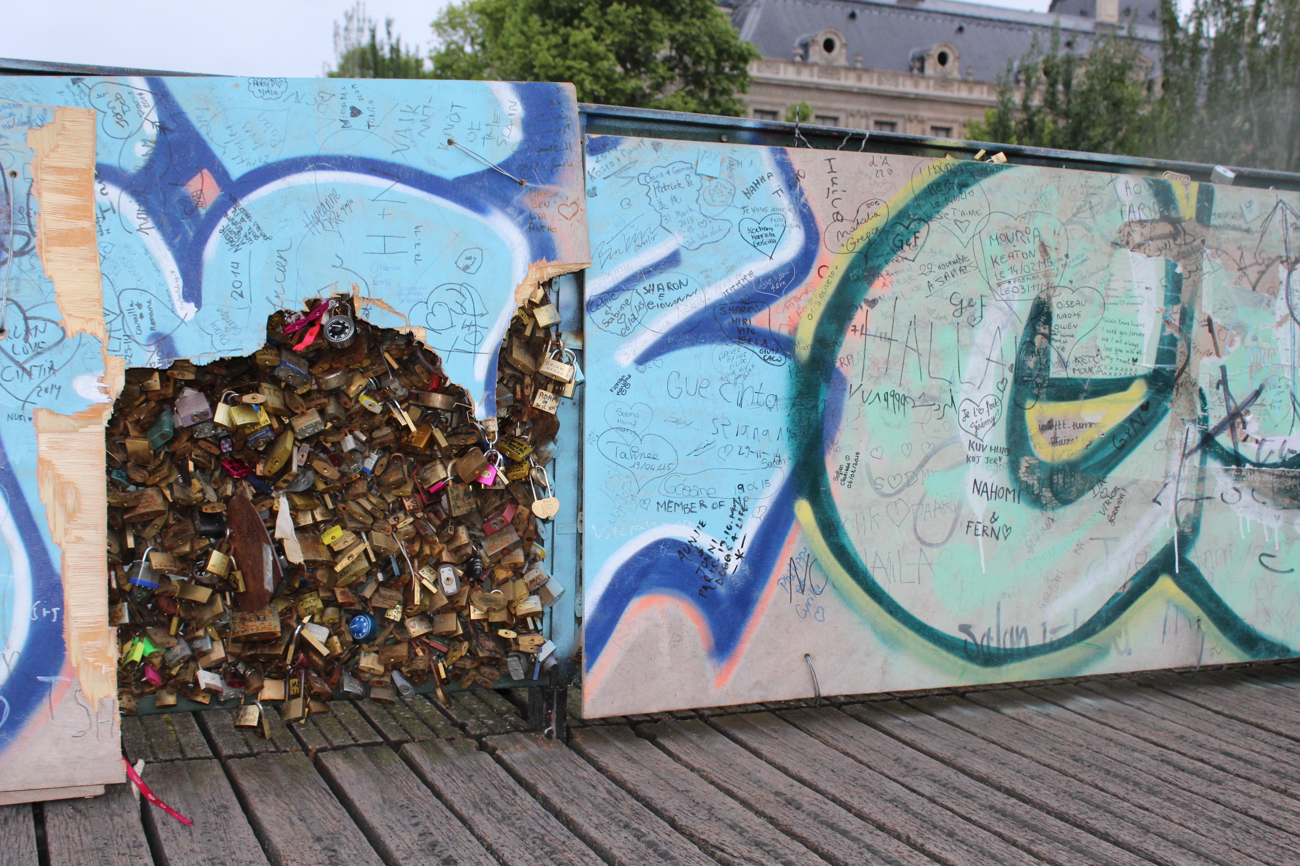 End of street art on the pont des arts