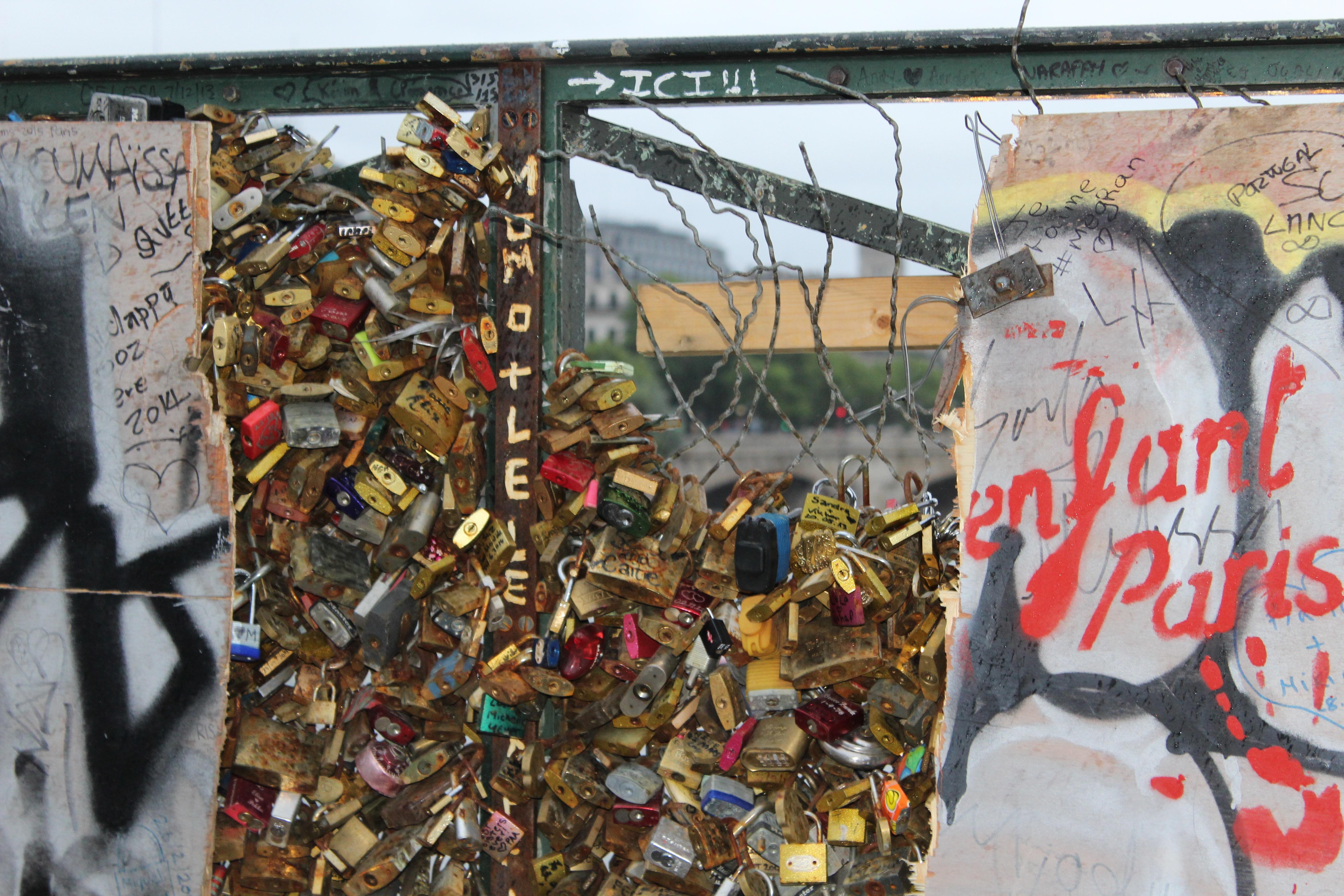 end of the pont des arts